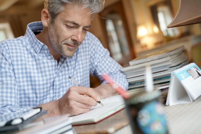 Aus der Handschrift koennen Eigenschaften der gesamten Persoenlichkeit ermittelt werden