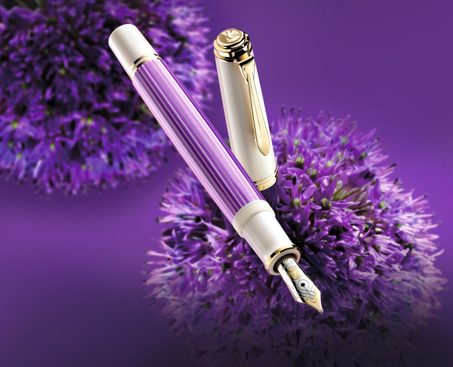 Pelikan Souverän 600 Kolbenfüllhalter Violett-Weiß - wunderschön zum Füller verschenken
