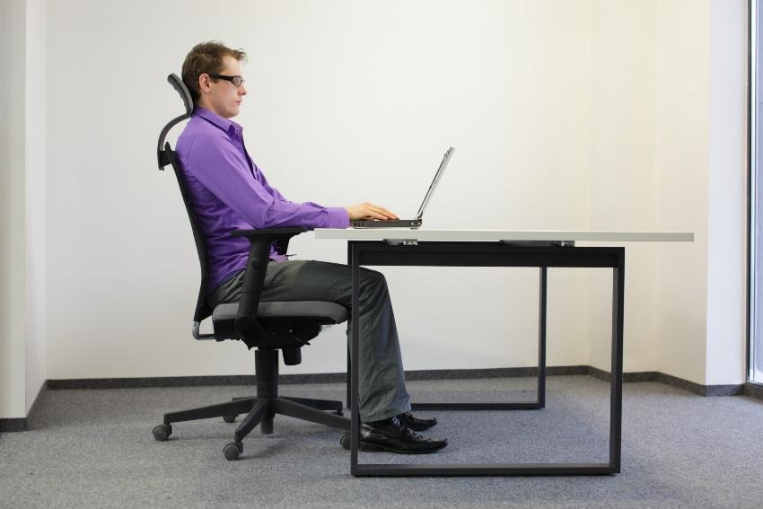 Korrekte Sitzposition beim Schreiben
