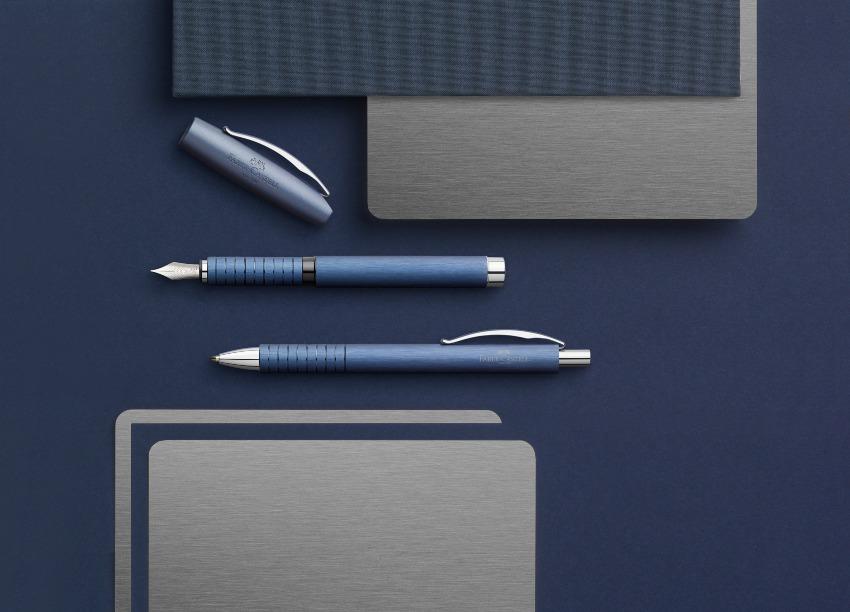 Faber-Castell Essentio Aluminium Füllfederhalter Blau
